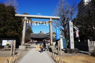 Das Shinto-Tor zum Schrein