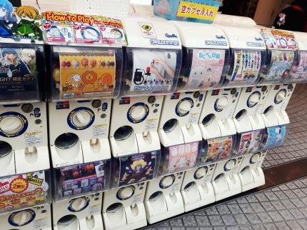 Die Automaten mit Figuren und Kitsch