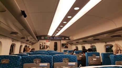 Im Shinkansen ...