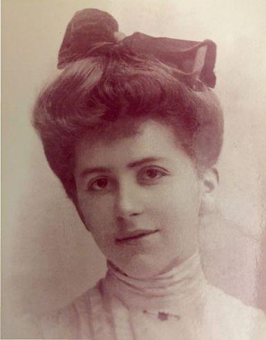 Karen_Dinesen_cirka_1903